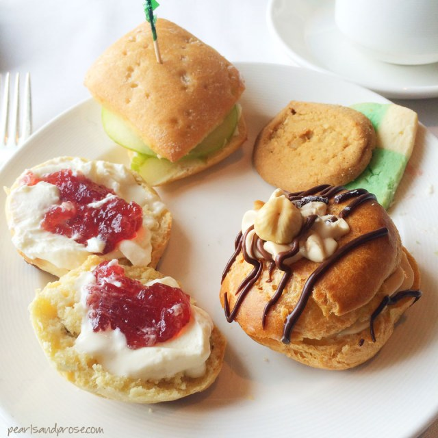 tea_pastries_web