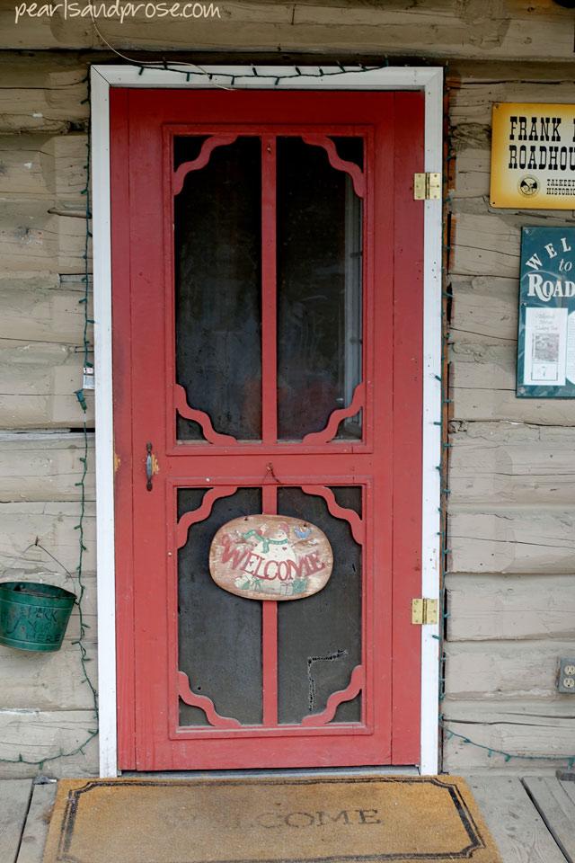 talk_roadhouse_door_web
